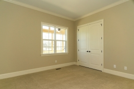 thumb_136_016_DownstairsBedroom.jpg