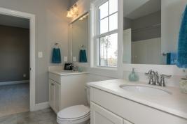 thumb_163_018_Bathroom.jpg