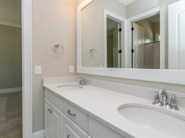 thumb_262_025_Bathroom.jpg