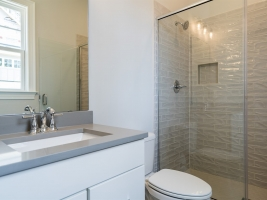 thumb_267_021_GuestBathroom.jpg