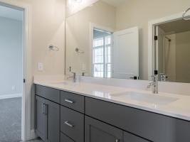 thumb_297_034_Bathroom.jpg