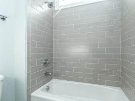 thumb_301_025_Bathroom.jpg