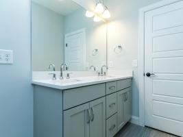 thumb_301_031_Bathroom.jpg