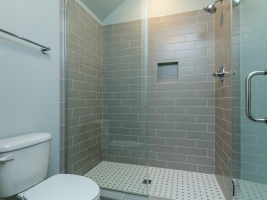 thumb_301_032_Bathroom.jpg