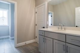 thumb_305_0291280x960bathroom.jpg