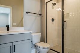 thumb_305_0391280x960bathroom.jpg