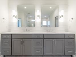 thumb_307_026_Bathroom.jpg