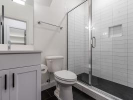 thumb_307_039_Bathroom.jpg