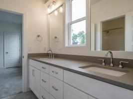 thumb_322_033_Bathroom.jpg